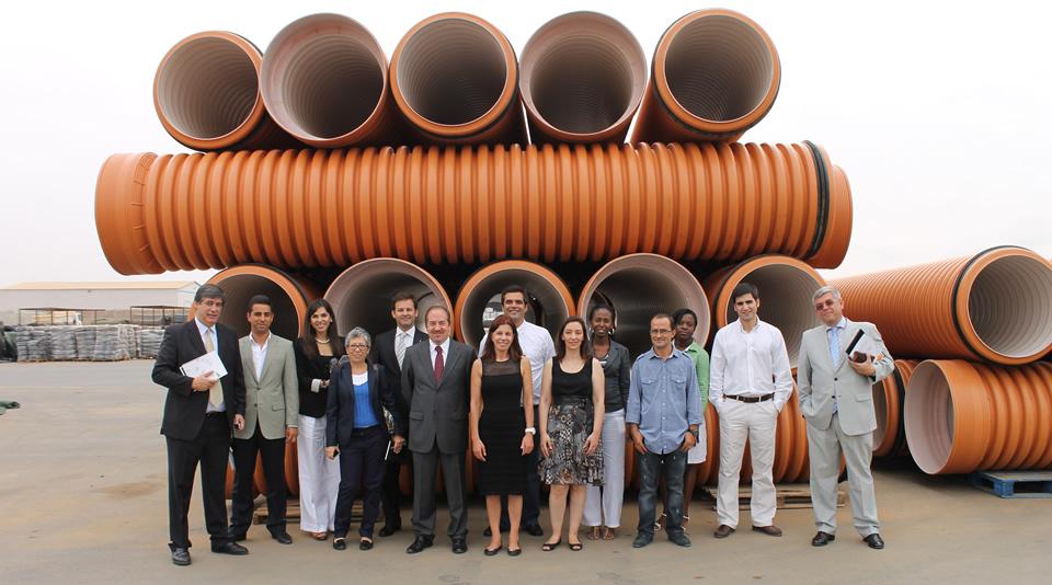 Ministro da Economia Português visita FIL Tubos Angola Grupo Fersil